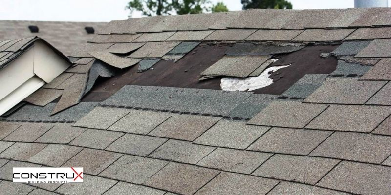 6 Common Signs Your Shingles Are Damaged