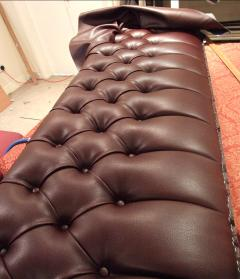 Deep-Buttoned-Pub-Seating-5