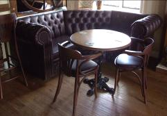 Deep-Buttoned-Pub-Seating-7