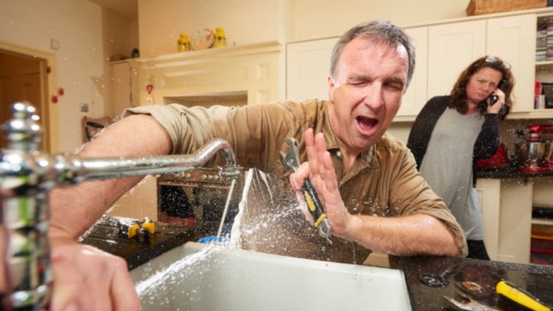 7 DIY Plumbing Mistakes - How NOT to Plumb