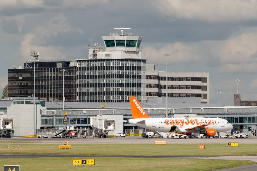 airport transfer from Liverpool to Manchester