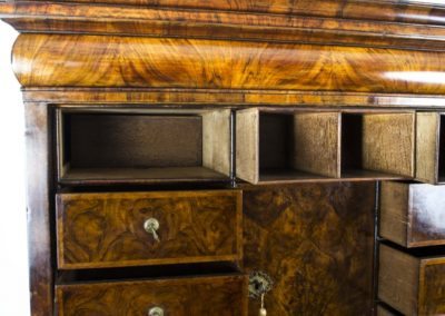 06671-antique-18th-century-queen-anne-walnut-secretaire-21