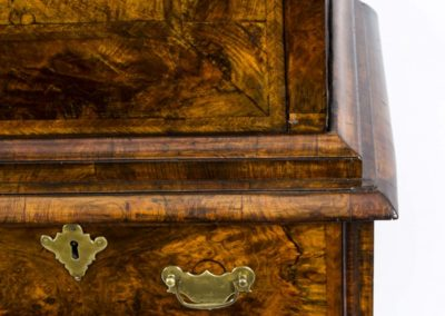 06671-antique-18th-century-queen-anne-walnut-secretaire-8