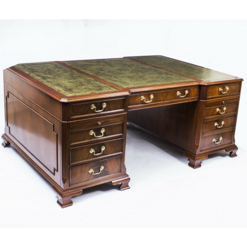 Georgian Style Partner's Desk in Flame Mahogany Late 20th century – Now Sold