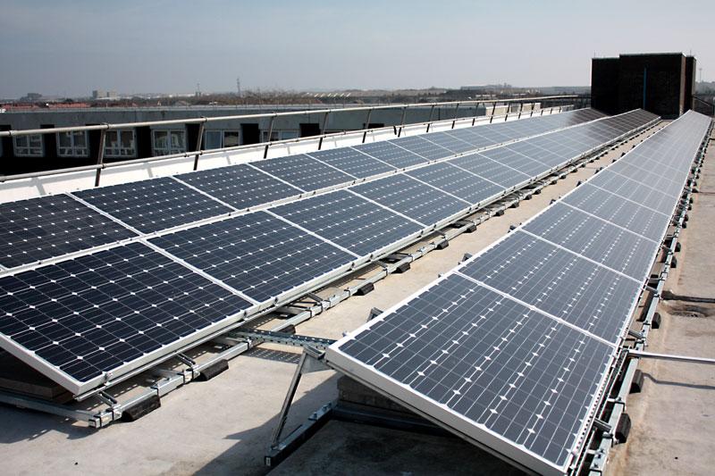 hesketh-house-solar-panels-roof