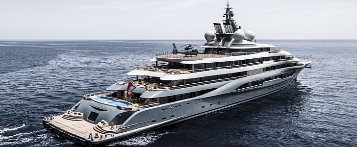 yacht - When Billionaires play: book review