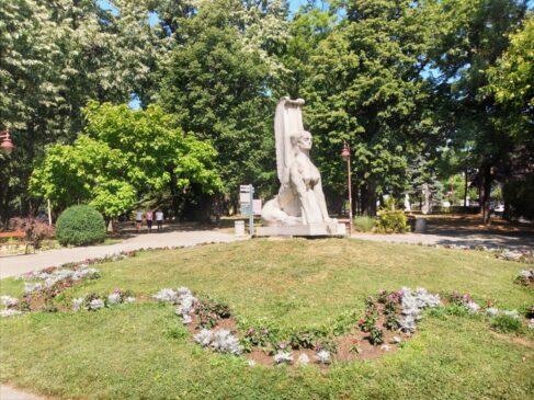 Skulptura Sfinga u Aranđelovcu