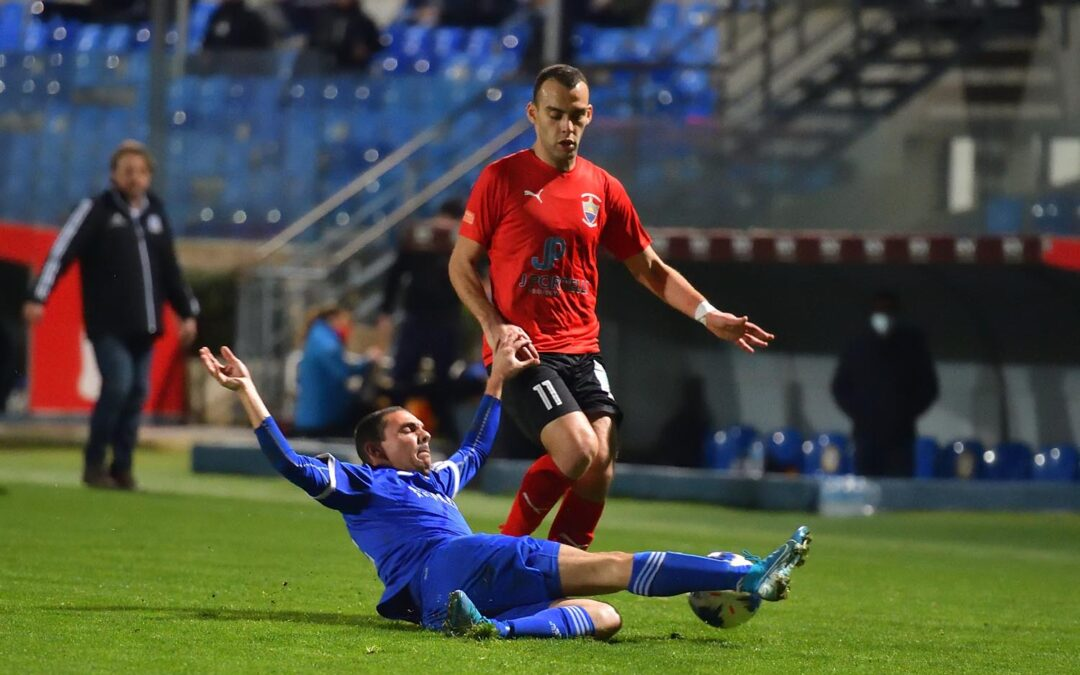 Nadur defeat the Wanderers with ten players