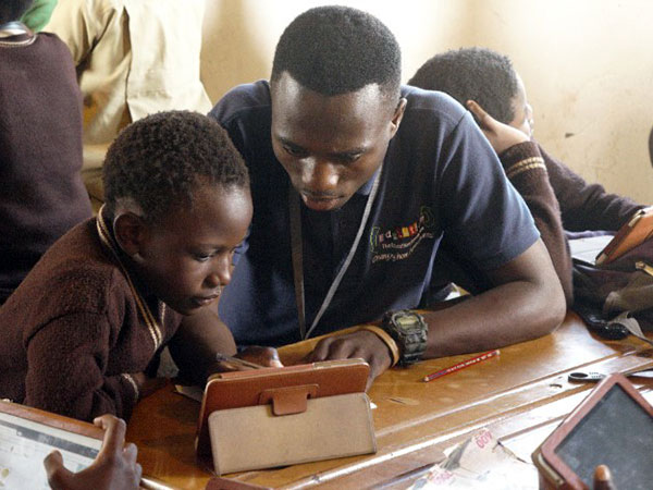 Edulution - Coaches attend to the children in the learning centres
