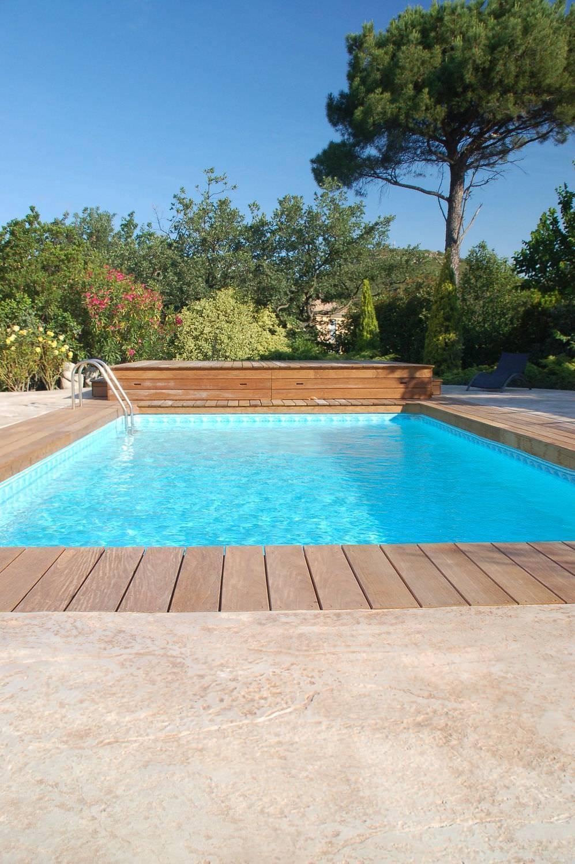 30 spazio esterno bordo piscina/ Finitura roccia naturale/ Colore pietra modicana