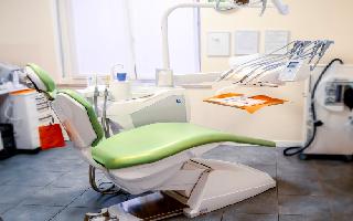 Dentista Dossobuono