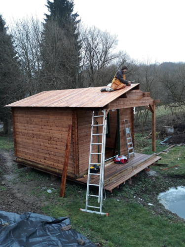 Dec 2019: Finally, a roof!