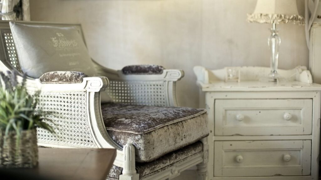 Rahatına Düşkün Evler İçin Dekorasyon Önerisi: Salaş Şıklık