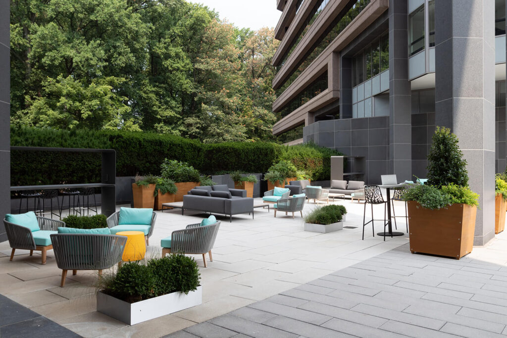 Outdoor seating area & courtyard