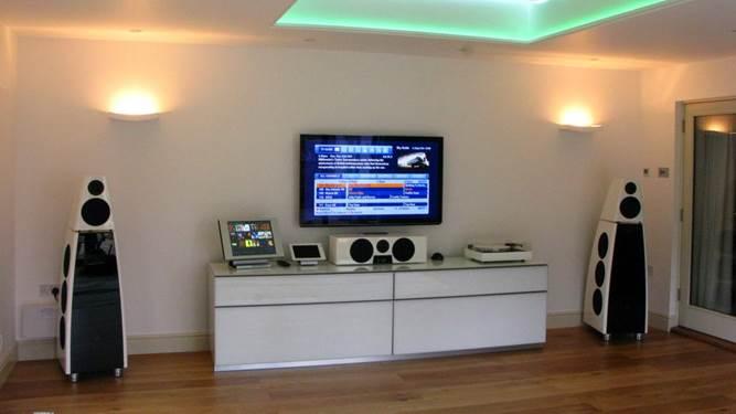 Martins Hi-Fi  - 45 Years With Meridian