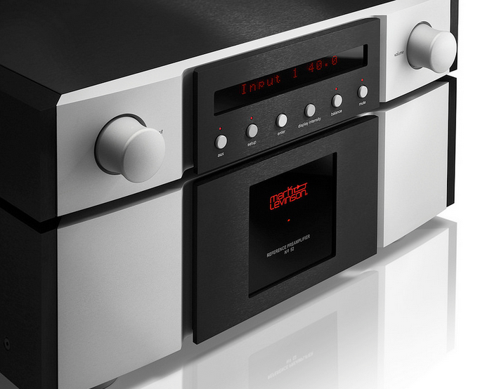 UK Debut for Mark Levinson No 52 Preamplifier