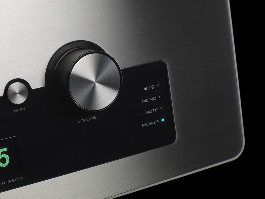 4215_Audio_Research_GSi75_(detail)