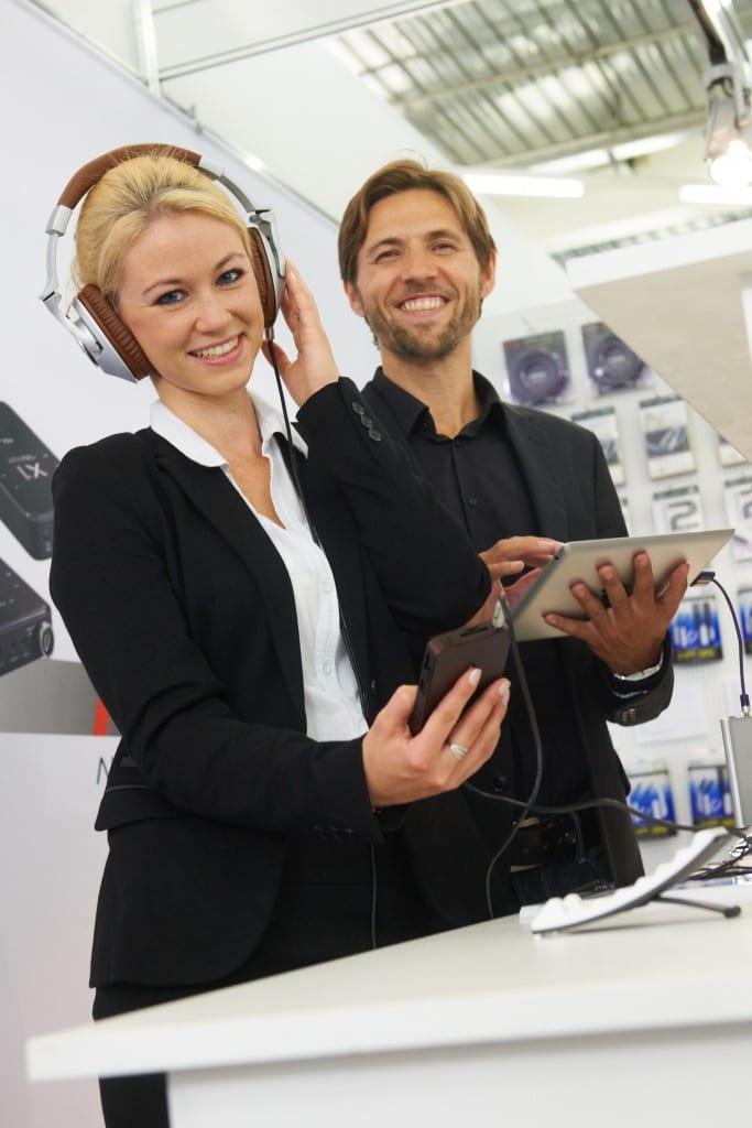 headphones_at_high_end_munich_news2