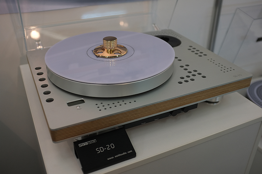 Turntables_high_end_munich_2016_1