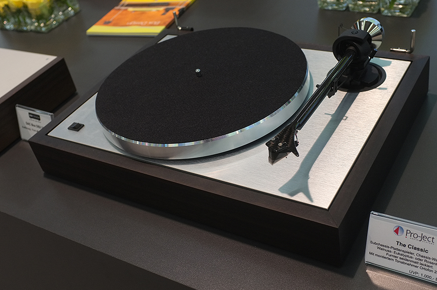 ProJect Announce Classic Turntable