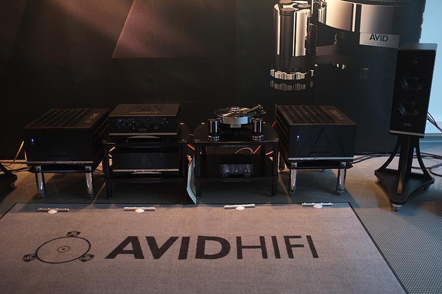 AVID_HIFI_HIFI_PIG_LOVES_YOU_2