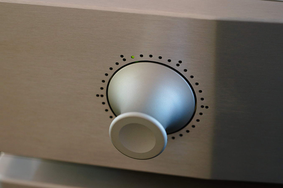 Audio_Music_AM_RT-1_Active_TVC_Single_Ended_Valve_Preamplifier_1_Online