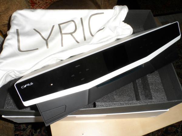 Cyrus_Lyric_unboxing_6