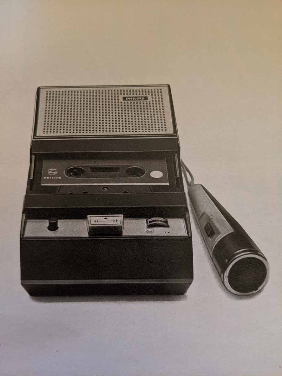 Old Fashioned Tape Recorder for a Fledgling Audiophile