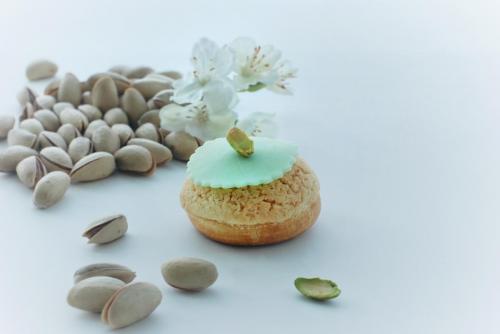 pistachio choux