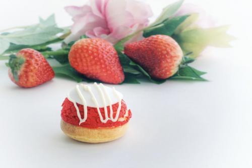 strawberry choux