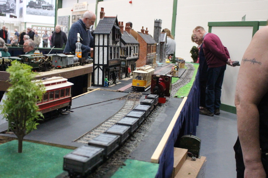 Modular Layout Stafold 18 credit Chris Mottram Dual Gauge portion through the town
