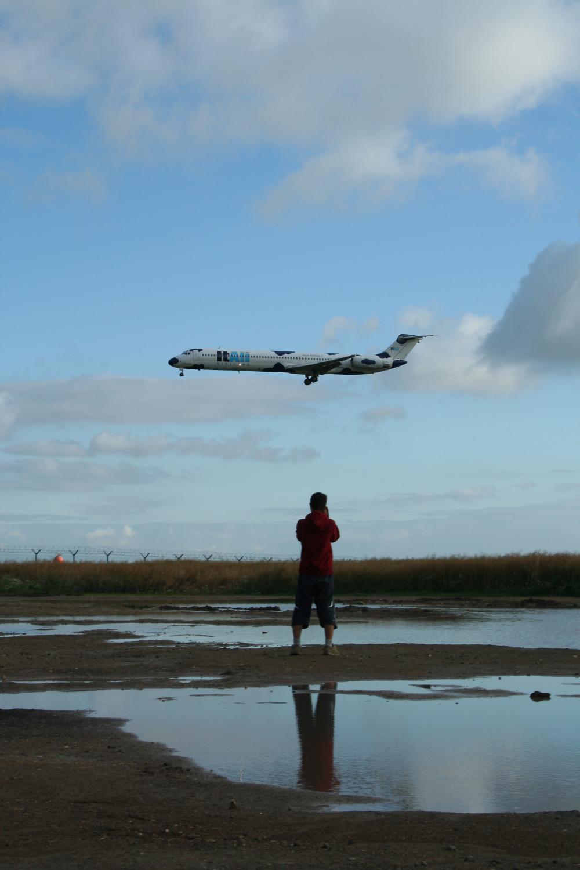 md80 plane landing