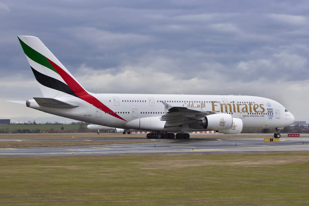 emirates airbus a380 taxiing