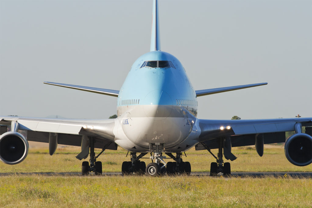 korean air boeing 747 front