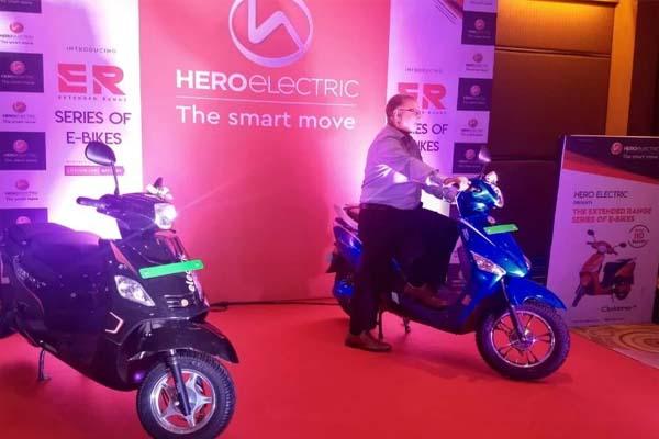 Hero ने लॉन्च किया नया Nyx B2B Scooter, सिंगल चार्ज पर 210 KM तक लगाएगा दौड़- जानें इसकी कीमत के बारे में