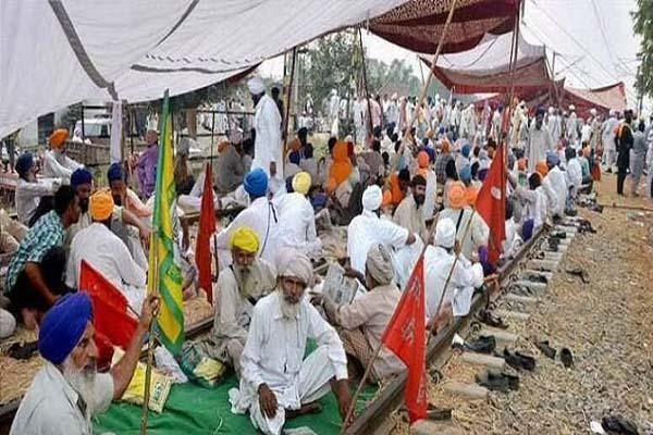 पंजाब में किसान आंदोलन के चलते मालगाड़ियों का परिचालन ठप, रेलवे ने बताई यह वजह