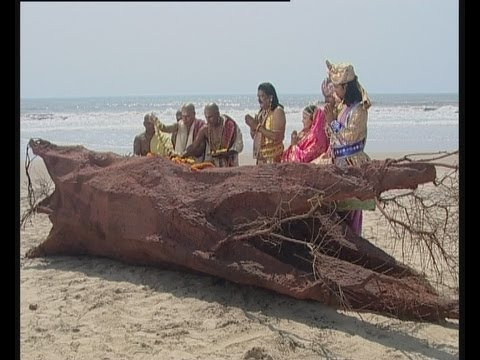 Giant wood with divine marks appears in the ocean