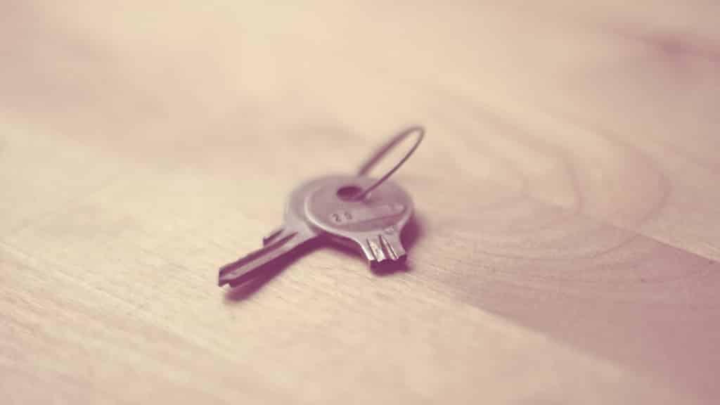 होता यूँ की - broken key