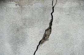 उस एक मोड़ पर - Crack on Road