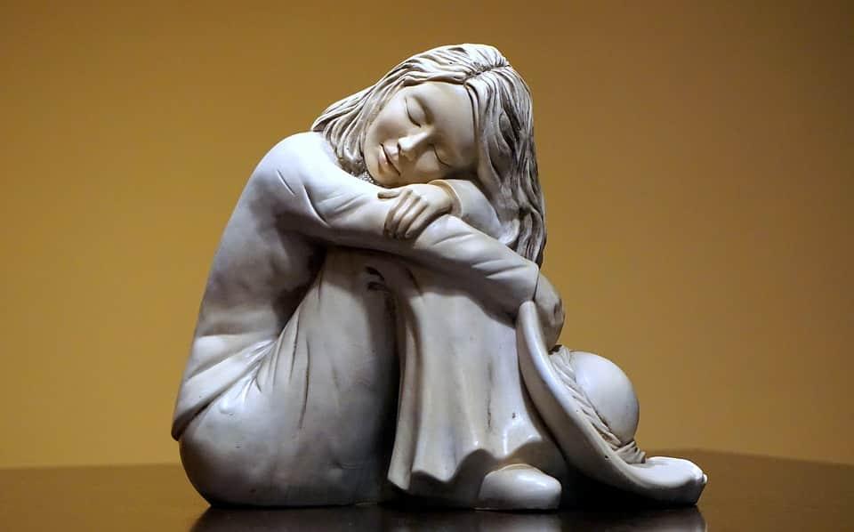 """चाँद"" Statue of a girl"