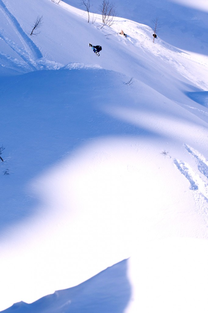 Kevin chasing the white gold in Pratonevoso. Photo: Sequence Snowboarding.