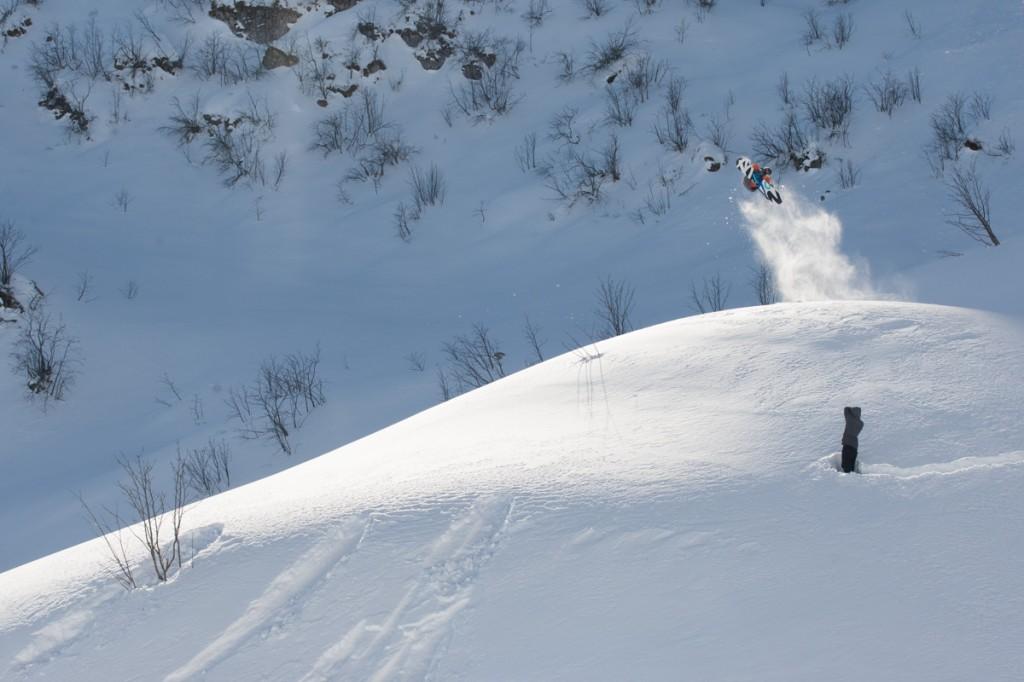 Kevin avoiding Olympic pressure in Pratonevoso. Photo: Sequence Snowboarding.
