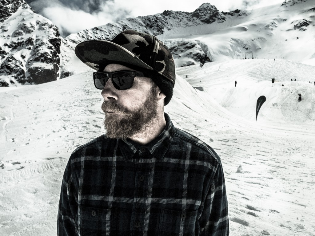 Tarquin Robbins is a Snowboarding icon and after a little abscense from the Sport has found himself working for The Riders Lounge. Tarquin helps oversea the distribution of Capita, Deelux Boots, Union and many more.