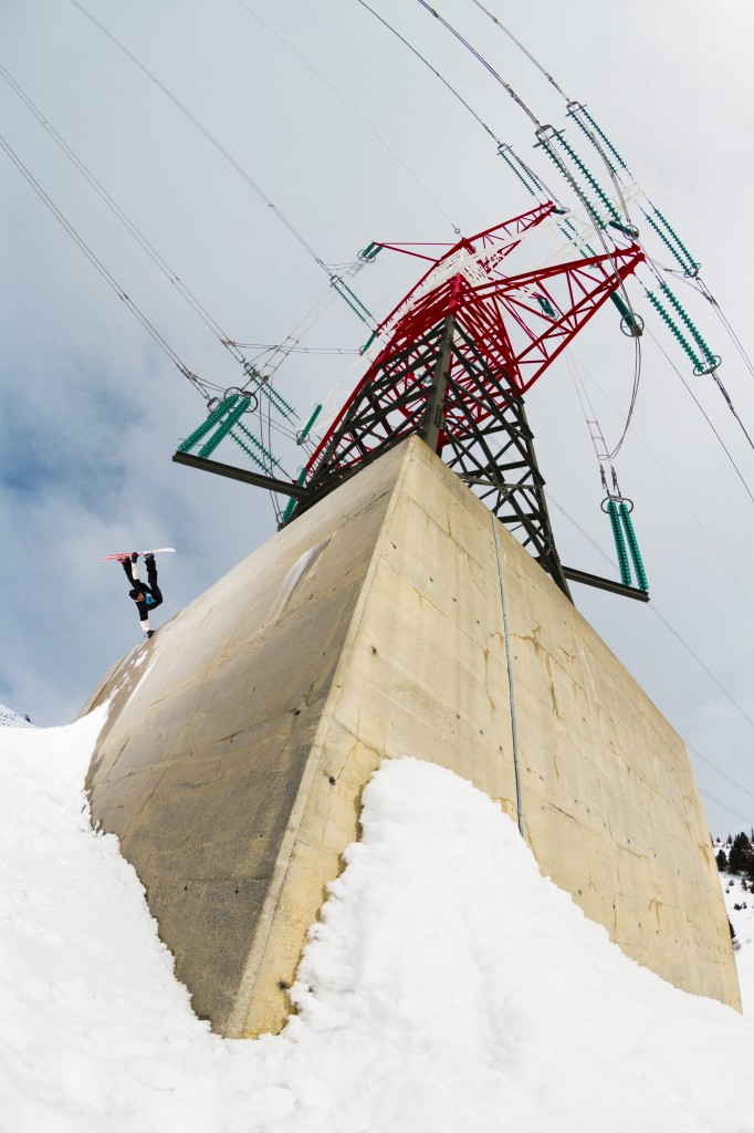 Cyril showing the differences between amateurs and professionals with this peach of a shot of Jed Anderson in Arlberg