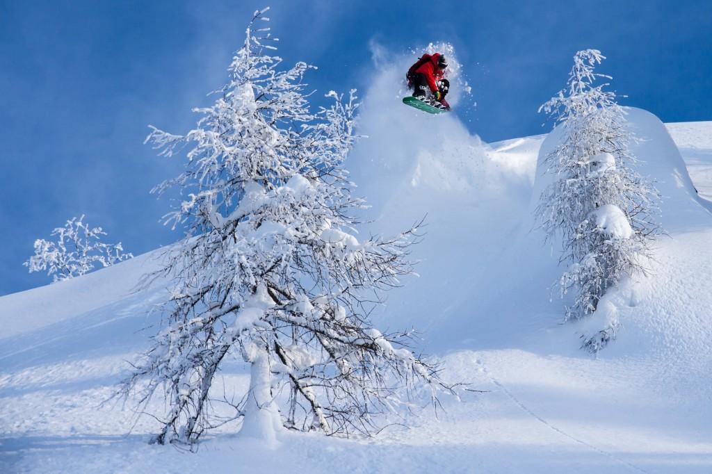 Steve making the most of modern snowboards in Nassfeld. Phoo: Matt Mchattie