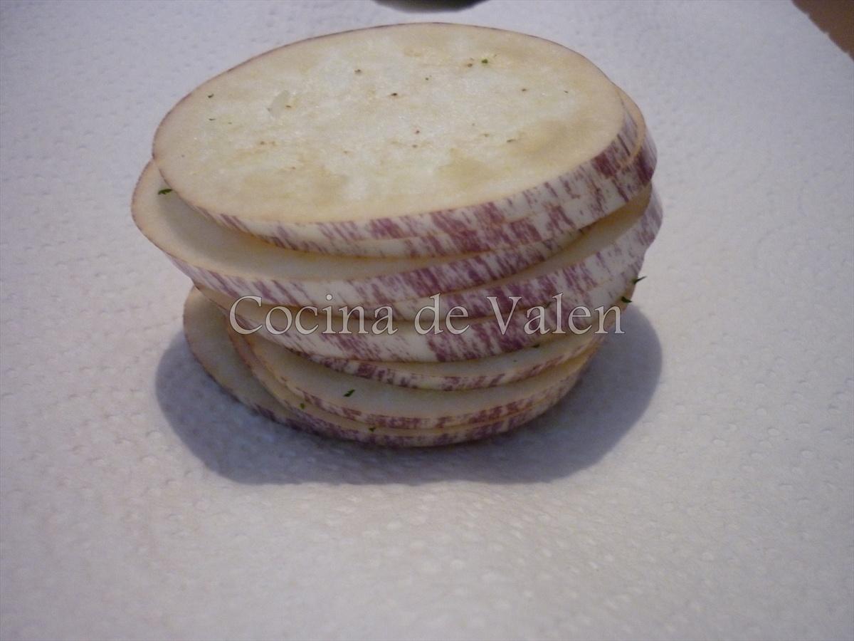 Tomattina con topping de Berenjenas y Albahaca (Salsa para pasta) - Cocina de Valen