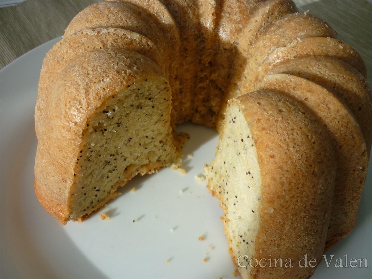 Bundt Cake de Vainilla con semillas de Amapola - Cocina de Valen