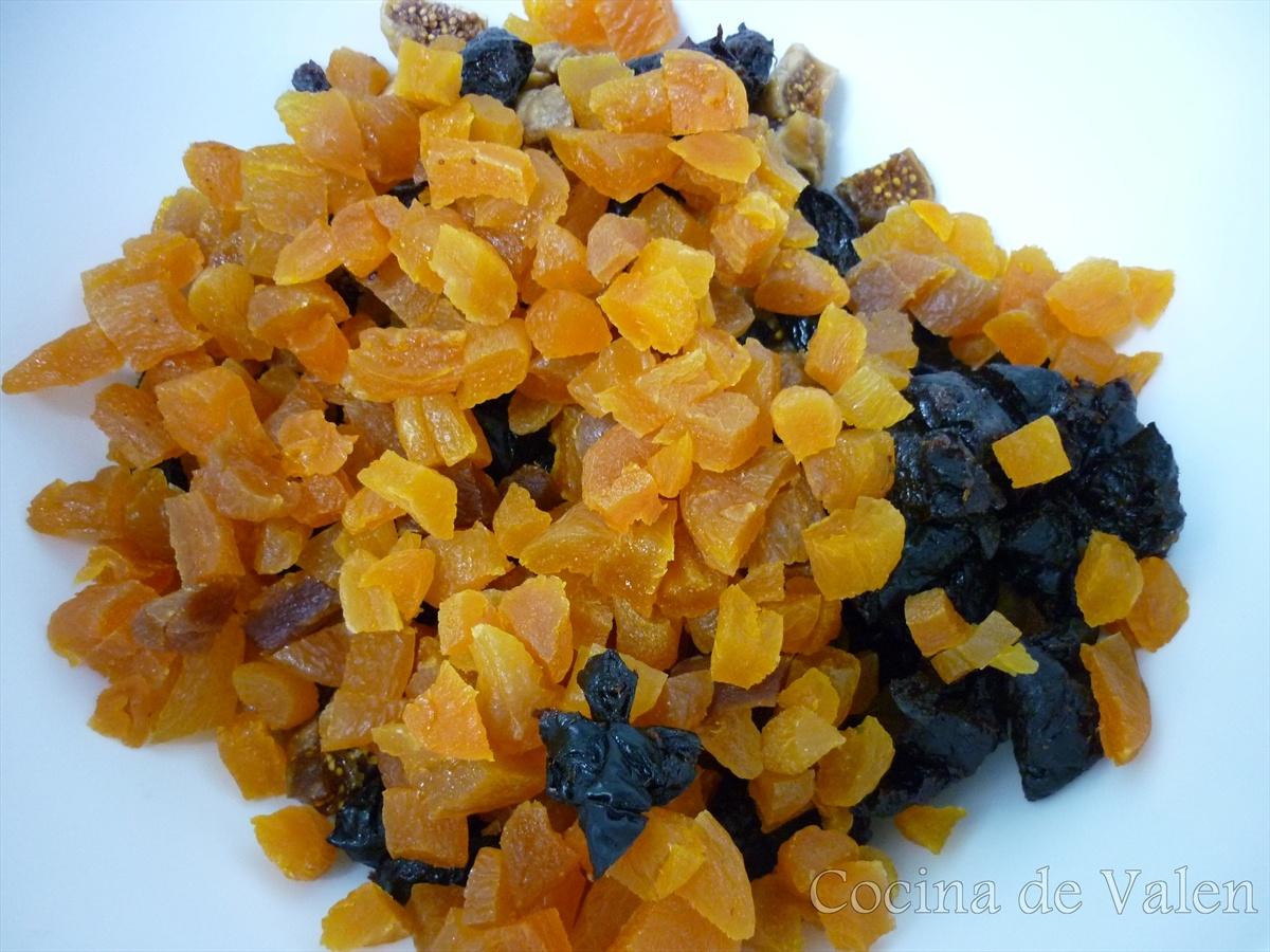 Maceración de la fruta para la torta Negra de Navidad