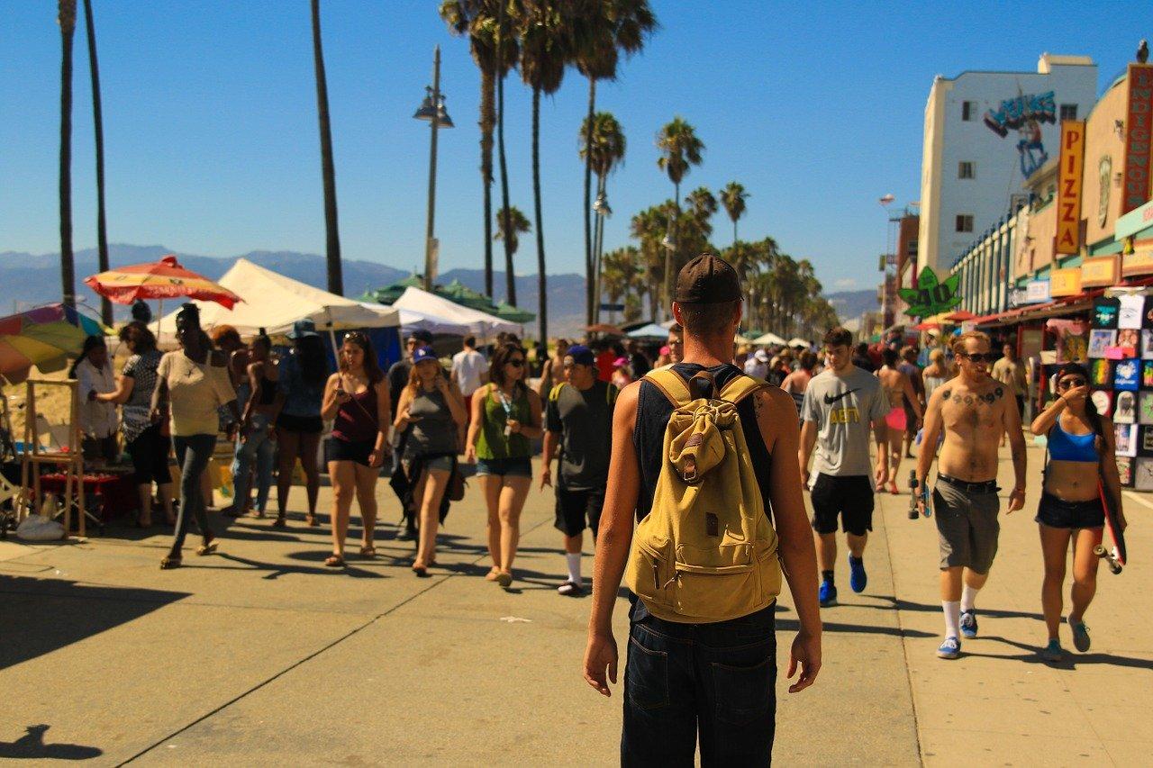 boardwalk, crowd of people, people walking
