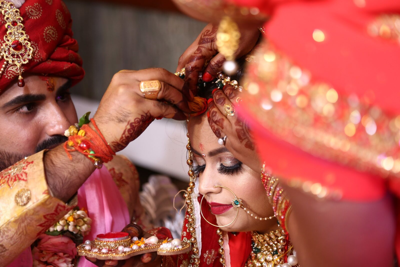 man-putting-sindoor-marriages-in-india-entertainments-saga